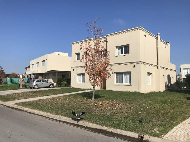 venta-casa-ayres-plaza-km-40-al-50-pilar-76000