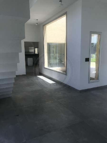 venta-casa-ayres-plaza-km-40-al-50-pilar-81876