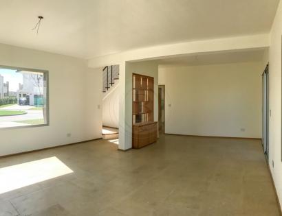 venta-casa-ayres-plaza-km-40-al-50-pilar-83452