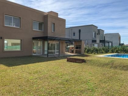 venta-casa-ayres-plaza-km-40-al-50-pilar-83458