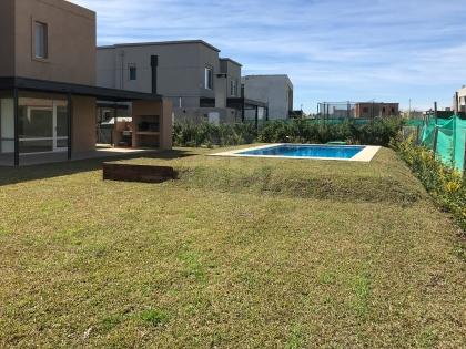 venta-casa-ayres-plaza-km-40-al-50-pilar-83460