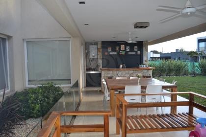 venta-casa-ayres-plaza-km-40-al-50-pilar-96143