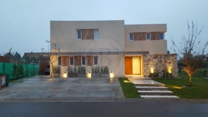 venta-casa-ayres-plaza-km-40-al-50-pilar-96147