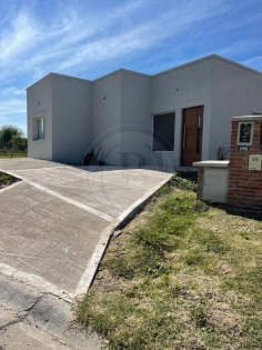 venta-casa-pilar-del-este-km-40-al-50-pilar-111925