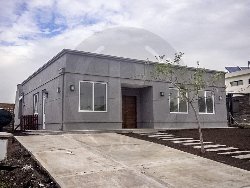 venta-casa-pilar-del-este-km-40-al-50-pilar-62800